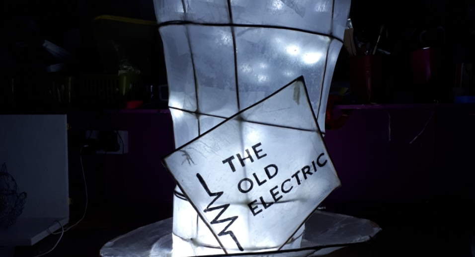 Paper lantern in the shape of a top hat